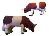 Vache broutant
